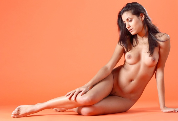 Nude women give oral pleasure