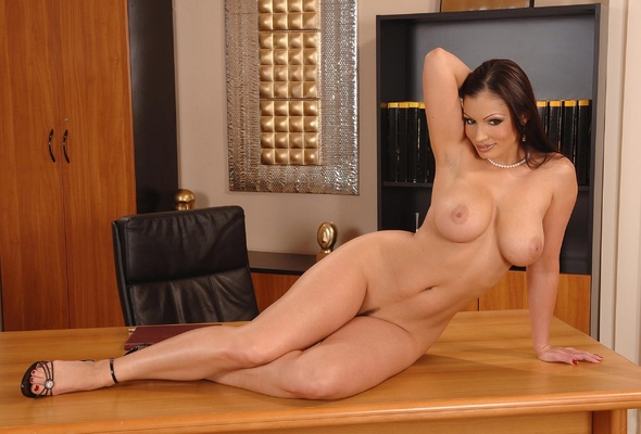sexy nude ravina tondon photos № 29812