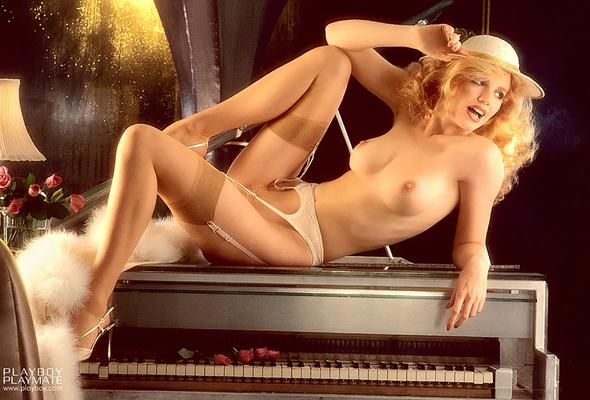 Shannon Tweed nackt, Oben ohne Bilder, Playboy
