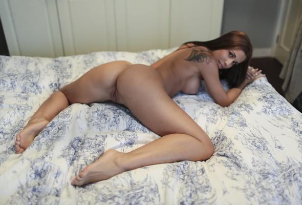 anna silk naked pussy