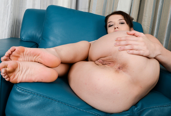 Opinion sexy naked women with pretty soles