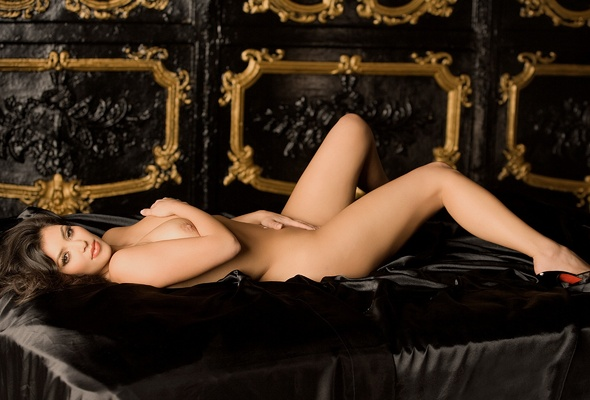 Wallpaper Kim Kardashian, Brunette, Sexy Girl, Nude, Naked, Legs, Heels, Bed -7456