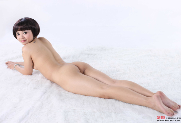 long legged nude woment