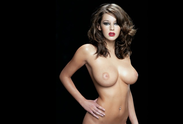 Glamour babes big tits red lips