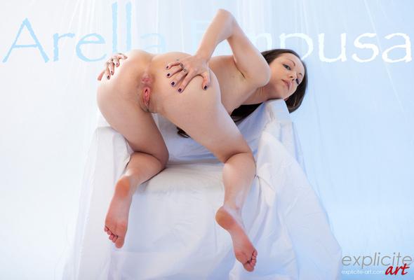 Pussy julias time ass close up