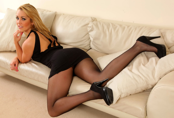 Hot model pantyhose