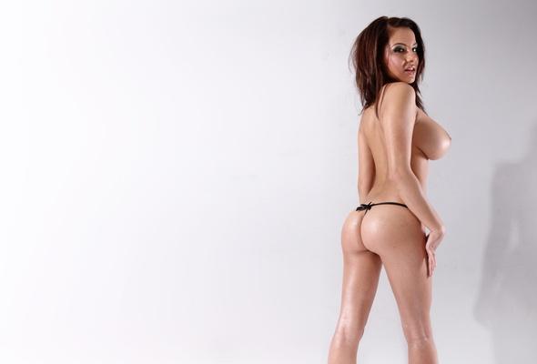 LIZZIE: Busty topless female models