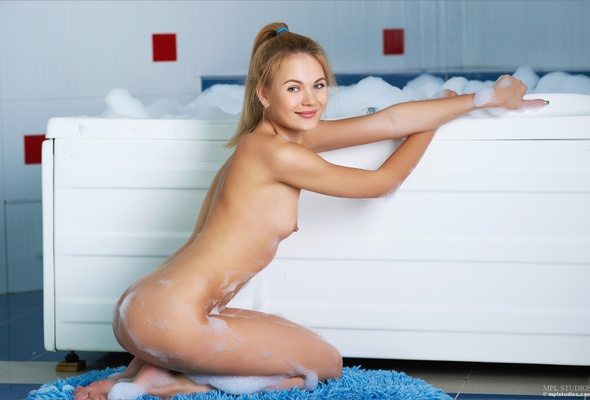 Naked miley cyrus picters