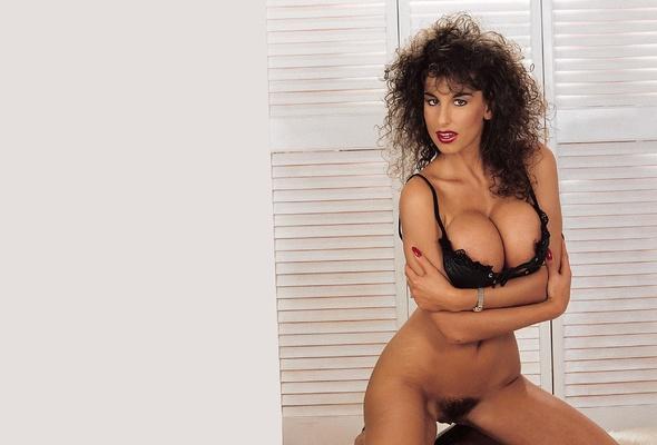 Hot nude hooters waitresses