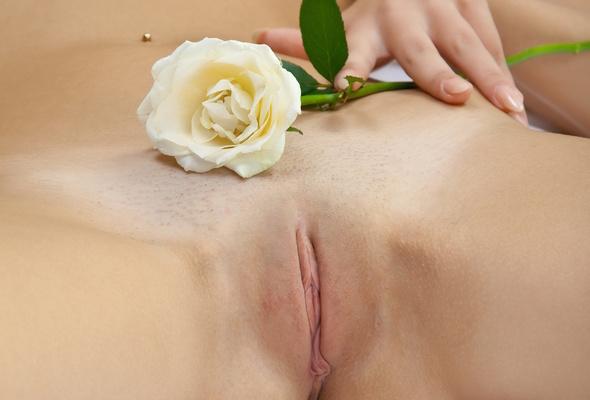 Nude white girls pussy close ups — photo 11