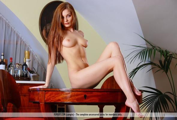 Redhead nude indi