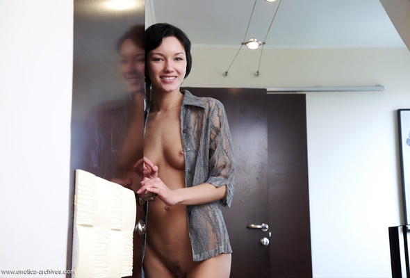 Sex tiny nude black hair woman