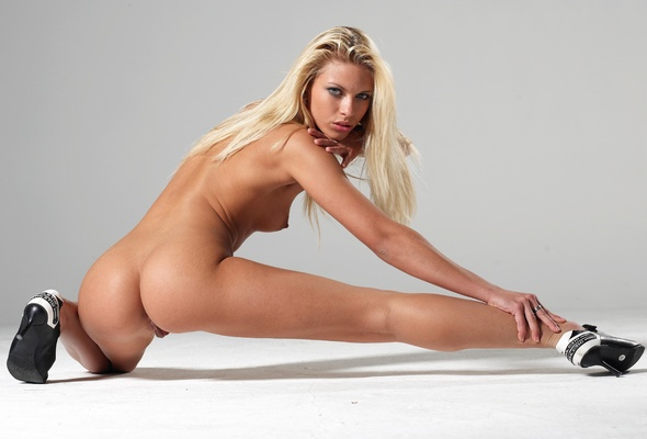 Girls Blonde naked german