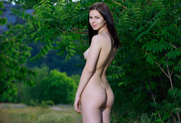 karolina young nude