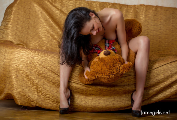 Adult bear model