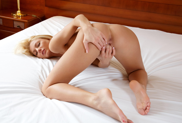 Pinky fingering herself removed