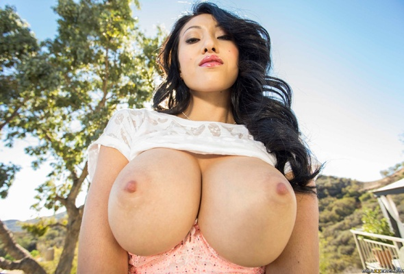Big boobs pornstar pics suggest