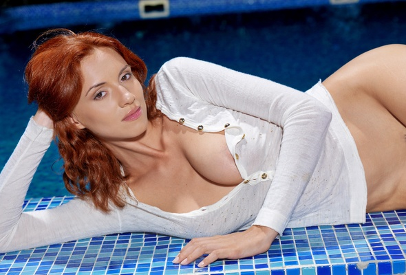 boob girl hooter in pool showing stripping swimming their