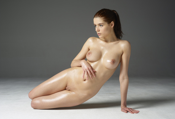 Nude model quality pic