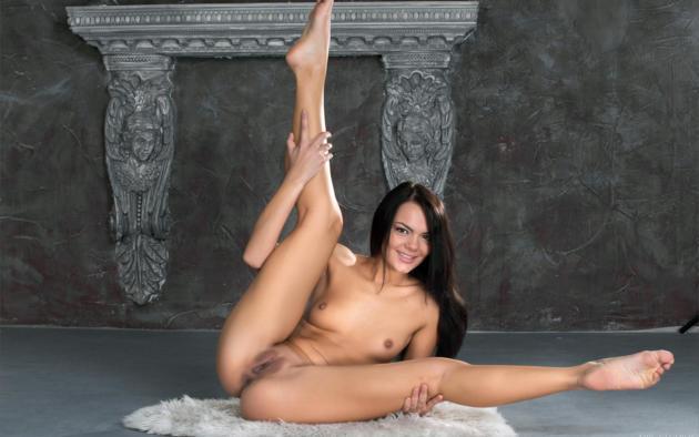 nude spread pussy Rihanna