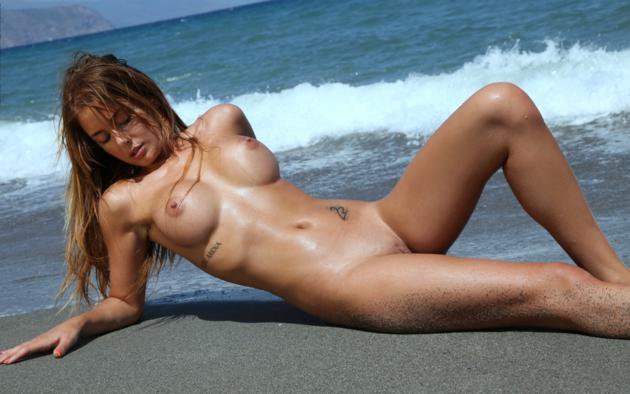 Varga naked Alexa