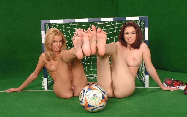 порно футбол играть