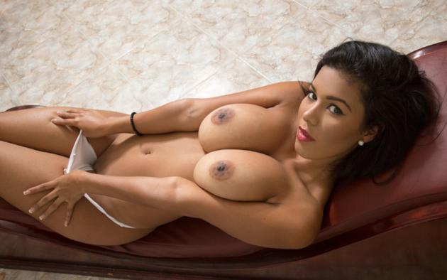 Big natural tits wallpaper