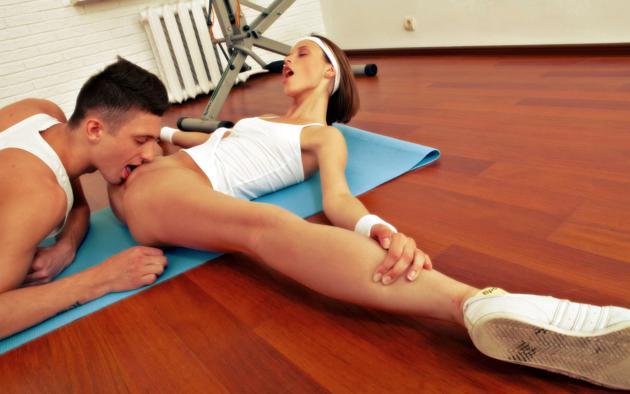 video-smotret-zhenskaya-gimnastika-fitnes-erotika