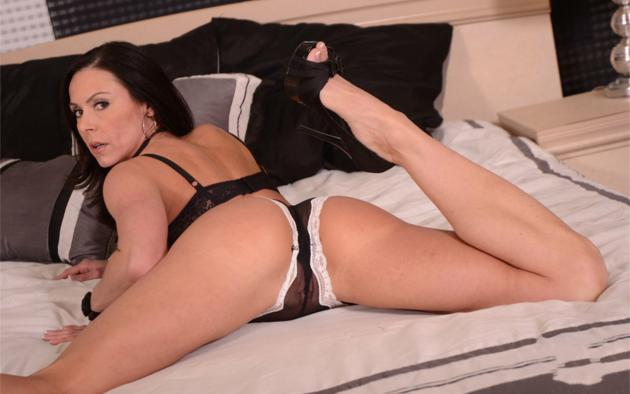 kendra lust, lingerie, bed, ass, legs, pussy, sexy, pornstar, panties