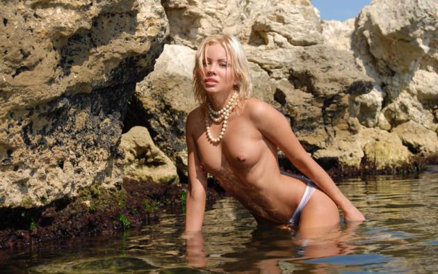 jessika, blonde, beach, panties, topless, small tits, nipples, wet, beauty, rocks, sea
