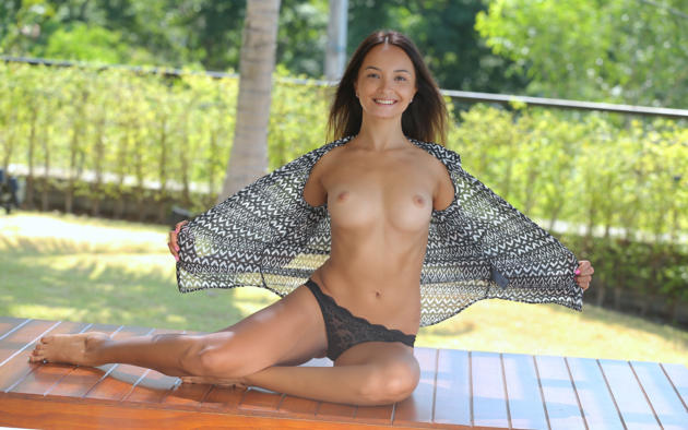 selena big butt nude