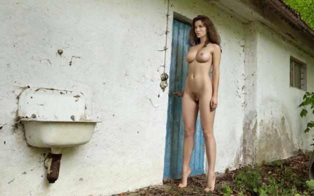Sunny leone butts nude
