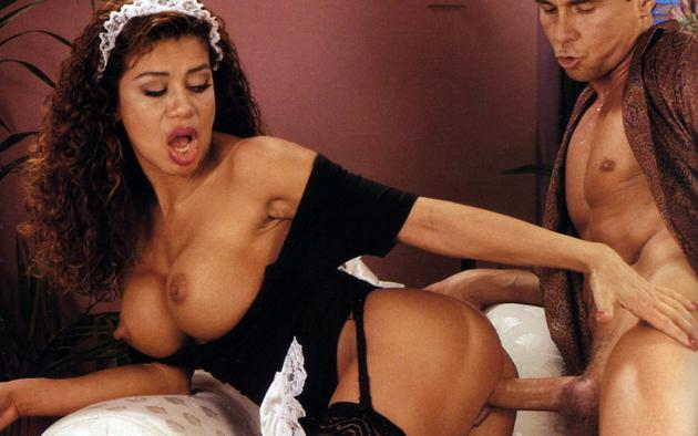 orgiya-indiya-porno-foto-brazilskih-milf