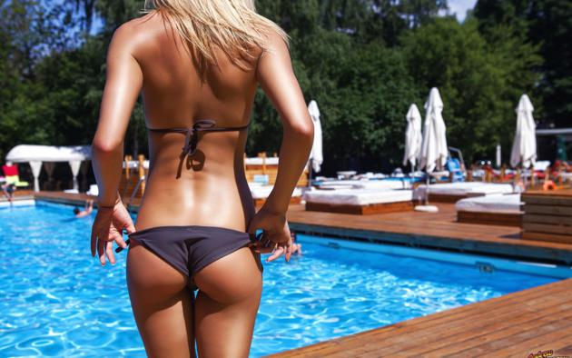 blonde, tanned, ass, backwards, pool, bikini, unknown, great ass