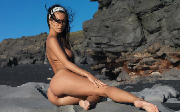 Opinion melissa mendiny nude beach accept