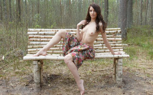 Nude girls love