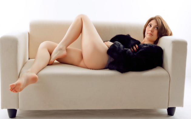 couch, sofa, legs, feet, fur coat