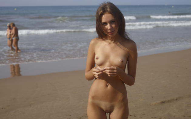 girls pierced naked beach