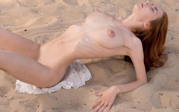 Helga Grey In Skinny Redhead Gets Naked At The Beach Drtuber 1