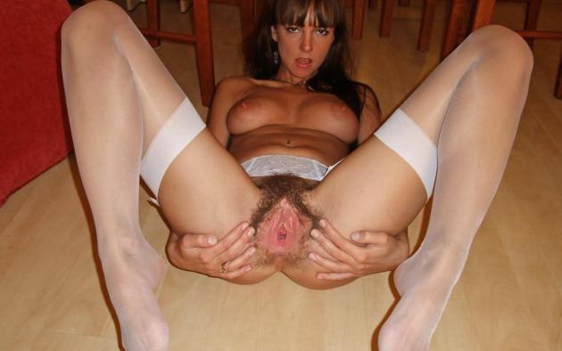 Curvy amateur showing big black tits on webcam