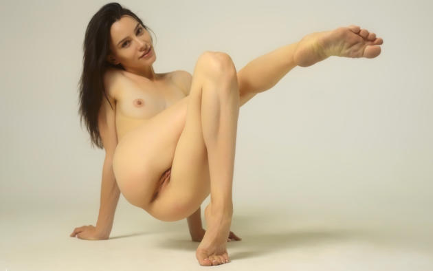 Sexy naked massage girls