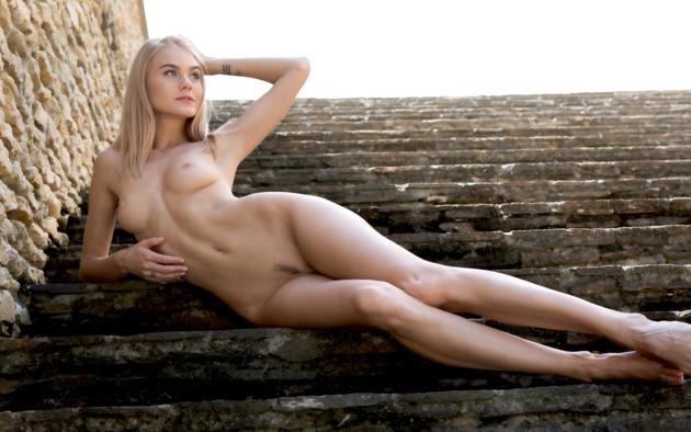 Girls nude perfect Beautiful Naked