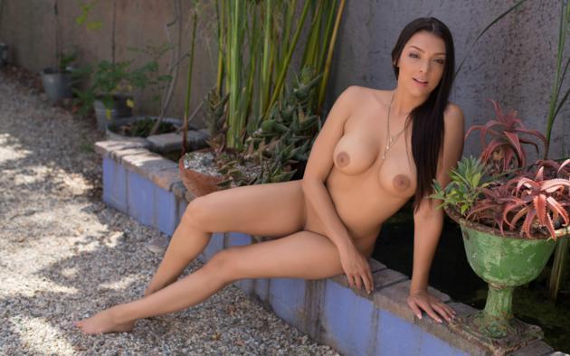Kiran sexy photos