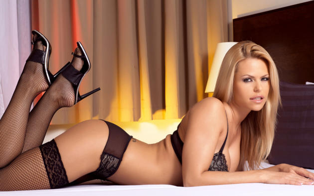 janet millar, gitta szoke, vivien b, wivien, vivian, blonde, model, sexy, hot, stockings, bed, black stockings, fishnet, bra, panties, heels, legs