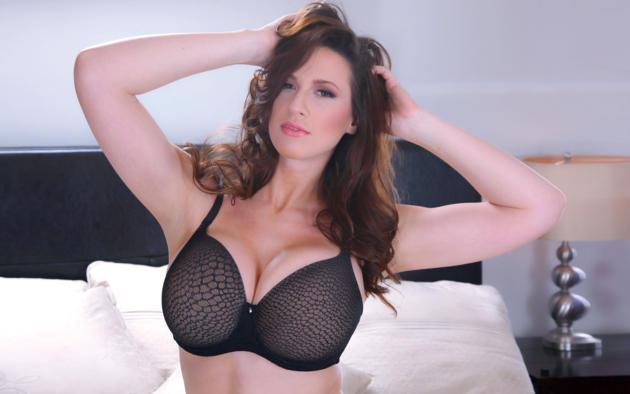 brunette big tit