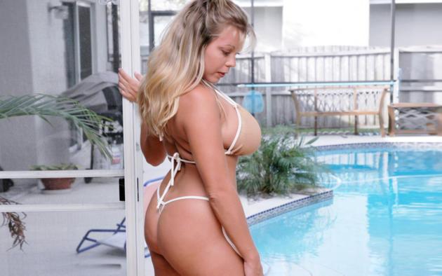 Hot Blonde Big Tits Bikini