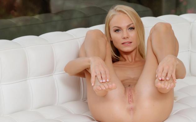 Nancy Jane Erica Blonde Beach Sofa Naked Xxx Com 1