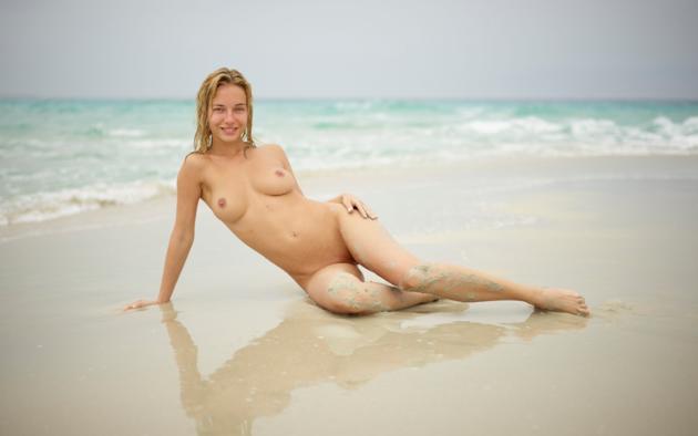 natalie andreeva, natalia a, delilah g, blonde, danica, danica jewels, naked, boobs, tits, nipples, smile, hi-q, big tits, wet, beach, sand, waves