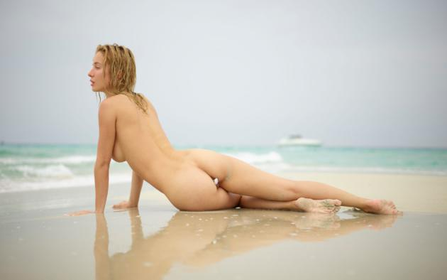natalie andreeva, natalia a, delilah g, blonde, danica, danica jewels, naked, shaved pussy, labia, hi-q, butt plug, ass, wet, beach, sand, waves, back, sea, ocean