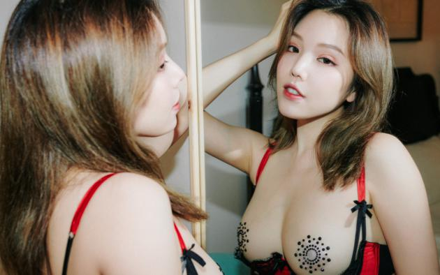 huang le ran, asian, sexy, lingerie, mirror, reflection, brunette, boobs, tits, nipples pasties, pasties